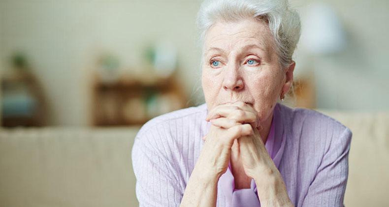 idosa morando sozinha